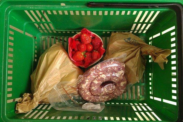 potraviny v košíku