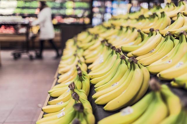banány v obchodě