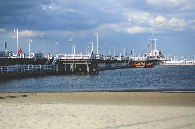 molo v přístavu